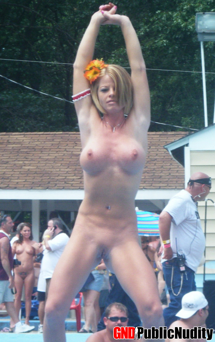 Candid naked females outside